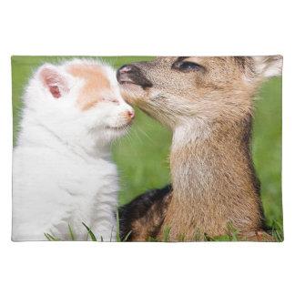 De Knuffel van de Herten en van het Katje van het Placemat