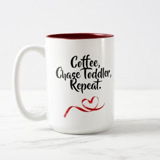 De koffie, de Peuter van de Jacht, herhaalt Tweekleurige Koffiemok