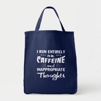 De koffie stelt de Ongepaste Gedachten van de Draagtas