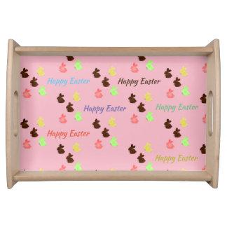 De konijntjes die van de chocolade dienblad dienen