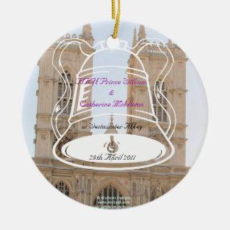 De koninklijke Herinneringen van het Huwelijk Rond Keramisch Ornament
