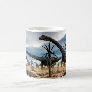 De kudde van Diplodocus in de woestijn Koffiemok