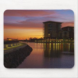 De Lagune en de flats van de recreatie bij zonsond Muismat