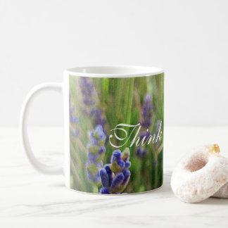 """De Lavendel van de Mok van de koffie met """"denkt"""