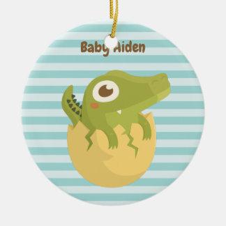 De leuke Alligator van het Baby in Ei Rond Keramisch Ornament