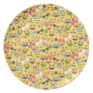 de leuke emojiliefde hoort de lachpatroon van de bord