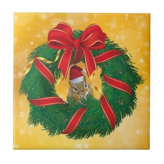 De leuke Kroon van Kerstmis van de Aardeekhoorn Keramisch Tegeltje