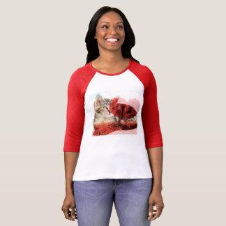 De leuke t-shirt van de gestreepte katkat