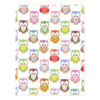 De leuke zachte kleurrijke patronen van de uilen briefkaart