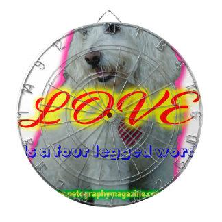 De liefde is een legged woord vier dartbord