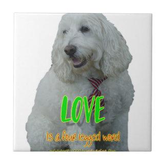 De liefde is een legged woord vier keramisch tegeltje