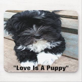 """De """"liefde is een Puppy"""" mousepad door Zoltan Buda Muismat"""