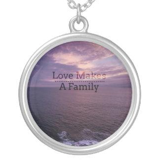 De liefde maakt een Goedkeuring van de Familie - Zilver Vergulden Ketting