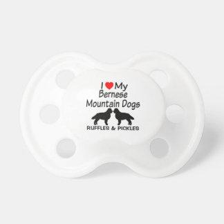 De Liefdes van het baby Twee Honden van de Berg Fopspeentje