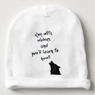 De looppas met wolven zal en u leren te huilen baby mutsje
