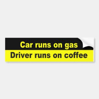 De looppas van de auto op auto, bestuurderslooppas bumpersticker
