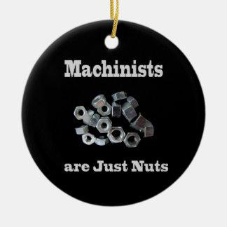 De machinisten zijn enkel Humoristische Noten Rond Keramisch Ornament