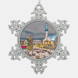 De Markt van Kerstmis van Tallinn Estland Tin Sneeuwvlok Ornament