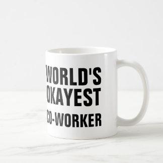 De Medewerker van Okayest Koffiemok