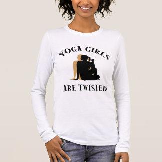 De Meisjes van de yoga zijn Verdraaide T-shirt