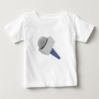 De microfoon van de verslaggever baby t shirts
