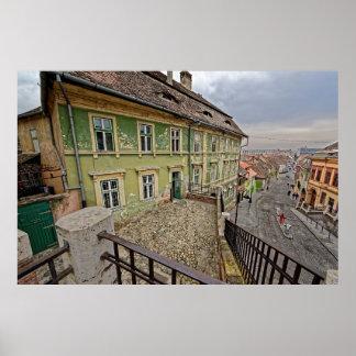 De middeleeuwse bouw ligt dichtbij brug Sibiu Poster
