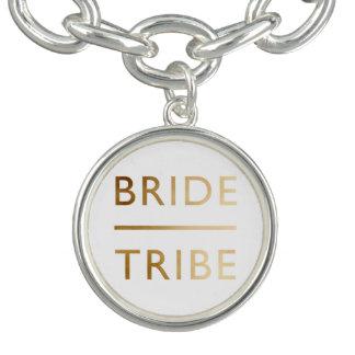 de minimalistische elegante gouden tekst van de armbandjes