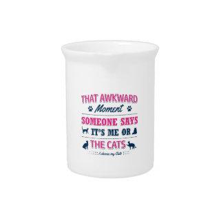 De minnaart-shirts van de kat drank pitcher