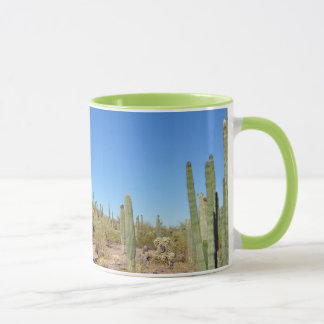 De mok van de de drukkoffie van de woestijn en van