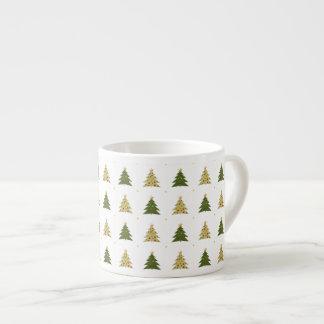 De Mok van de Espresso van kerstbomen