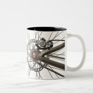 De Mok van de koffie met het AchterWiel van de