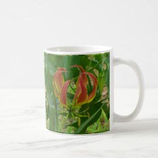 De Mok van de Koffie van de Lelie van de vlam