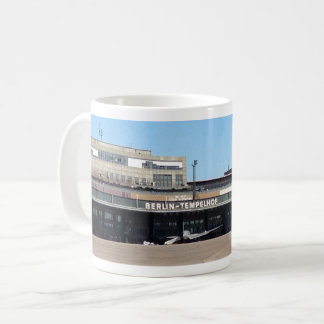 De Mok van de Koffie van de Luchthaven van Berlijn