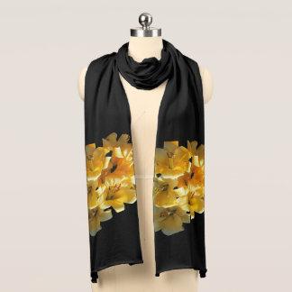 De mooie Gele Lelie van de Tijger op een Zwarte Sjaal