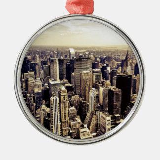 De mooie Horizon van de Wolkenkrabbers van de Stad Zilverkleurig Rond Ornament