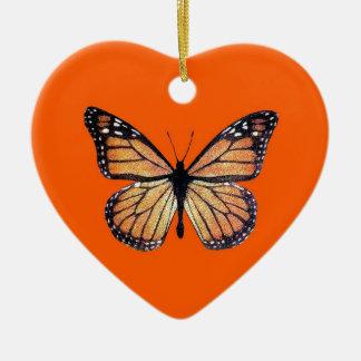 De mooie Vlinder van de Monarch op Sinaasappel Keramisch Hart Ornament