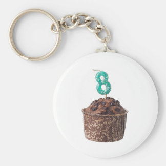 De muffin van de chocolade met kaars voor acht basic ronde button sleutelhanger