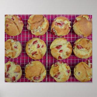 De muffins van de aardbei poster