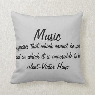 De muziek drukt… sierkussen