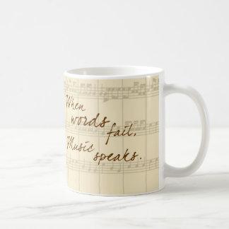 De muziek spreekt koffie mokken