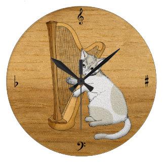 De muzikale Kat speelt de Harp Grote Klok