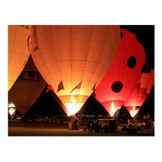 De nachtgloed van hete luchtballons briefkaart