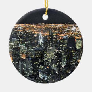 De nachthorizon van New York Rond Keramisch Ornament