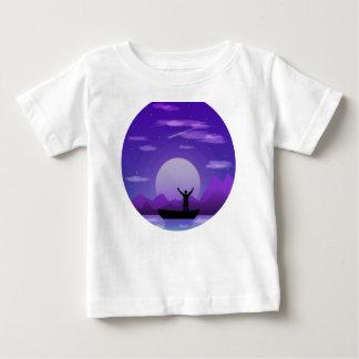 De nachtillustratie van het landschap baby t shirts