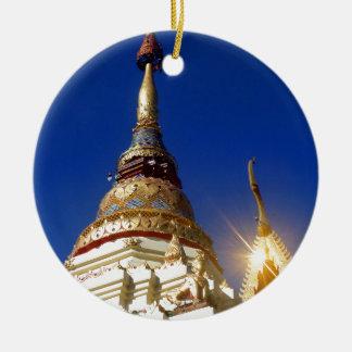 De noordelijke Thaise Boeddhistische Pagode van de Rond Keramisch Ornament