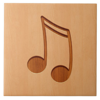 De nota van de muziek die op houten ontwerp wordt tegeltje vierkant large