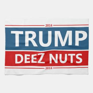 De Noten van Deez van Trumpin! Theedoek