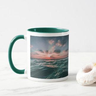 De oceaan mokken van de Zonsondergang