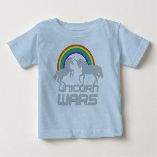De Oorlogen van eenhoorns met Regenboog Baby T Shirts