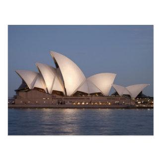 De operahuis van Sydney bij schemer Briefkaart